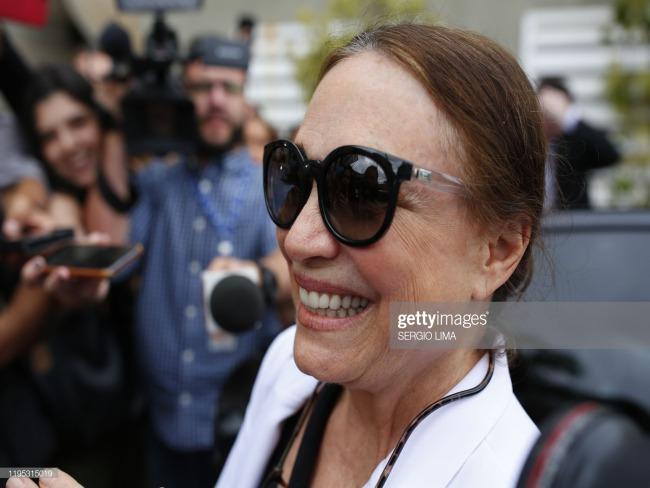 'Casamento' com Regina Duarte deve sair 'quarta ou quinta-feira', diz Jair Bolsonaro