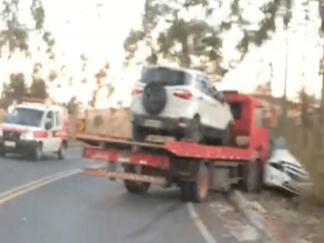 ATUALIZADA: Mulher morre em acidente entre Lagamar e Vazante