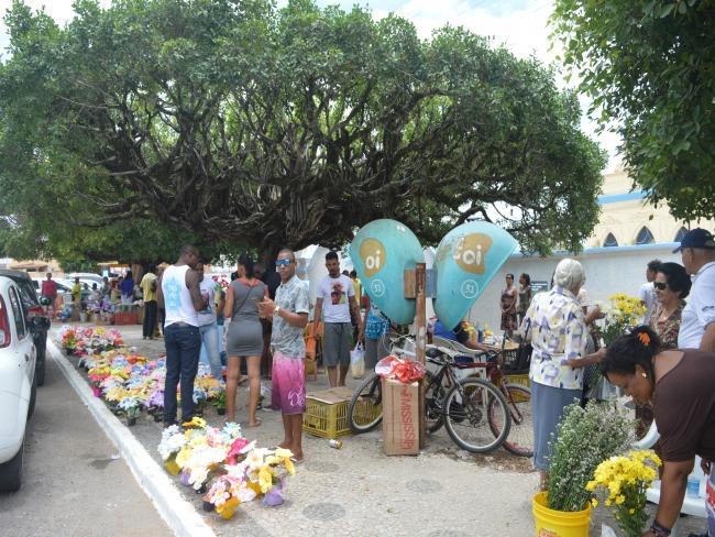 Cemitérios de Alagoinhas recebem dezesseis mil visitantes no dia de Finados